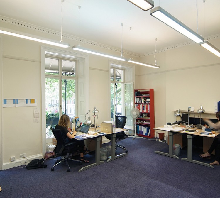 Bloomsbury square wc1 floor 1 serviced offices bloomsbury square devono cresa - Small office space london property ...