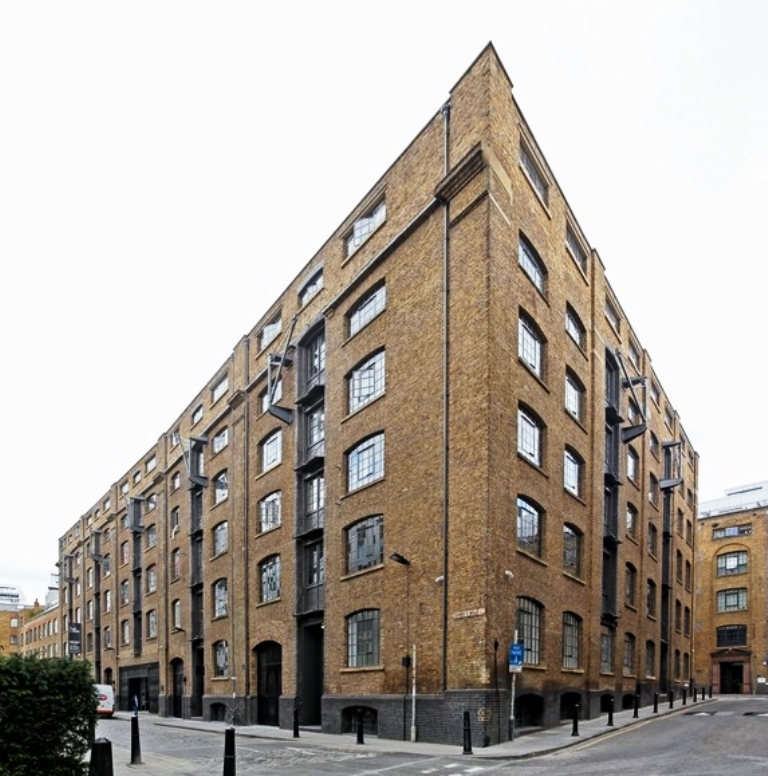 Gowers Walk, London, E1